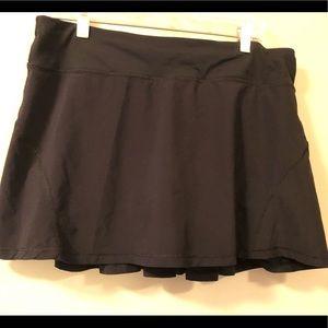 Lululemon pace setter run black skirt size 10